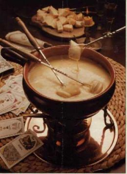 Swiss fondue (photo from huubpages.com)